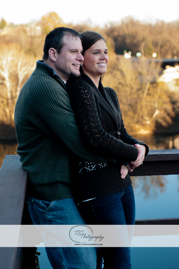 Hot engagment portraits at the Bavarian Inn
