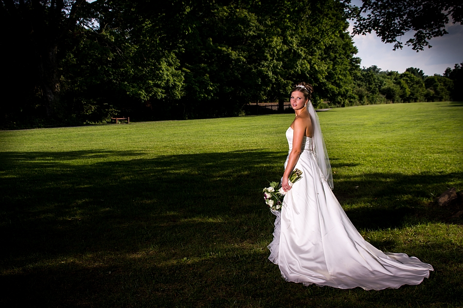 Beautiful wedding photography at Morgans Grove Park