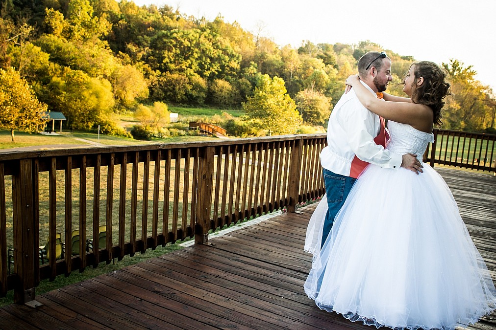 Beautiful wedding at Poor House Farm Park near Martinsburg, WV